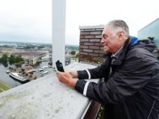 Officieel is het geen monument, toch zoeken Almeloërs de hoogte op: 'Observeren zou je overal en elke dag een beetje moeten doen'