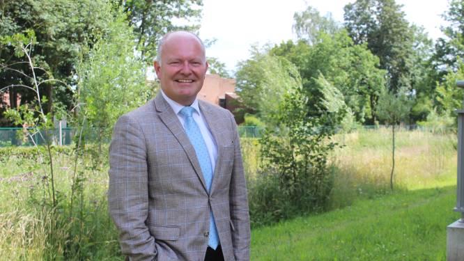 """Koen Loete (54) officieel ereburgemeester van Eeklo: """"Titel die ik na 33 jaar werk met fierheid zal dragen"""""""