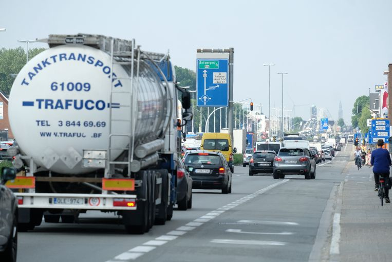 De A12 is al jarenlang een van de gevaarlijkste wegen van Vlaanderen. Beeld Laenen