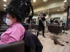 Feu vert pour coiffeurs, métiers de contact et magasins non essentiels