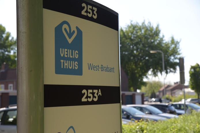 De man ontvoerde de baby vanuit een kamer bij Veilig Thuis in Breda.