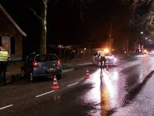 Pickup en personenwagen botsen in Doetinchem: bestuurder lichtgewond