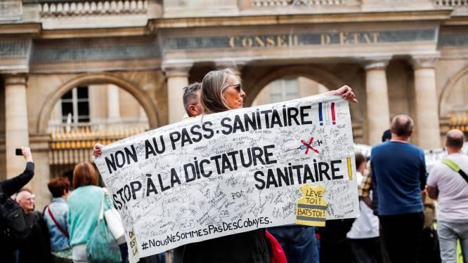 Franse vakbonden roepen op tot staking nu vaccinatie in zorgsector verplicht wordt
