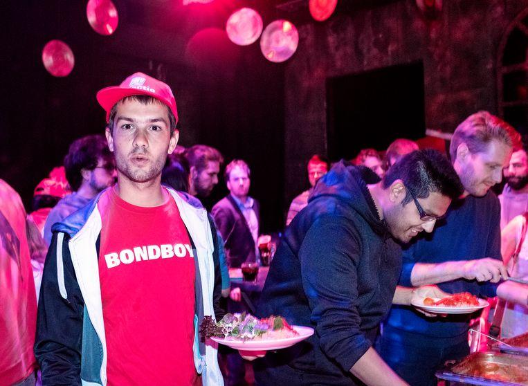 FNV-Jongeren op een feestje, nog vóór de crisis. Beeld Patrick Post