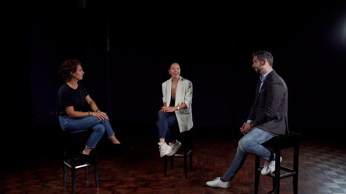 Presentatrice Debbie de Brie (links) in gesprek met Coen en Kiona van Crusio IJs.