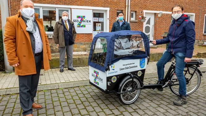 Buurtwerk Zaventem-Noord krijgt bakfiets cadeau van Lions Club