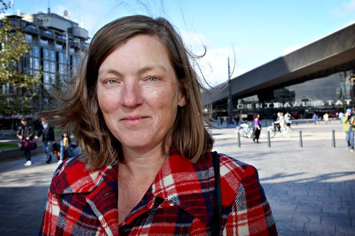 Verslaggever Nadia Berkelder verhuisde van een dorp naar Rotterdam.
