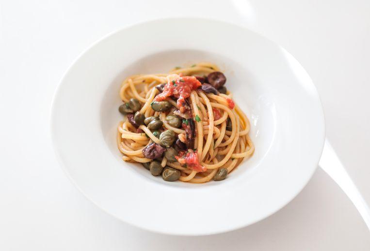 Het eindresultaat: pasta alla puttanesca. Beeld Eva Plevier