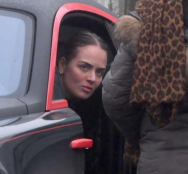 Lukaku's vriendin Sarah Mens zat achter het stuur op het moment dat de foto's werden gemaakt.