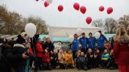 Juf Ilse zal nooit vergeten worden: familie, vrienden, collega's en leerlingen lopen 24 uur voor overleden juf en Kinderkankerfonds