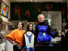 """Kerstcadeautje? """"Kunstige beer met 5.000 Swarovski-kristallen voor 5.800 euro"""""""