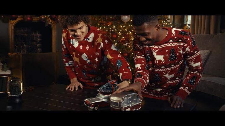 De spelers van Racing Genk goten hun kerstboodschap in een leuke video.