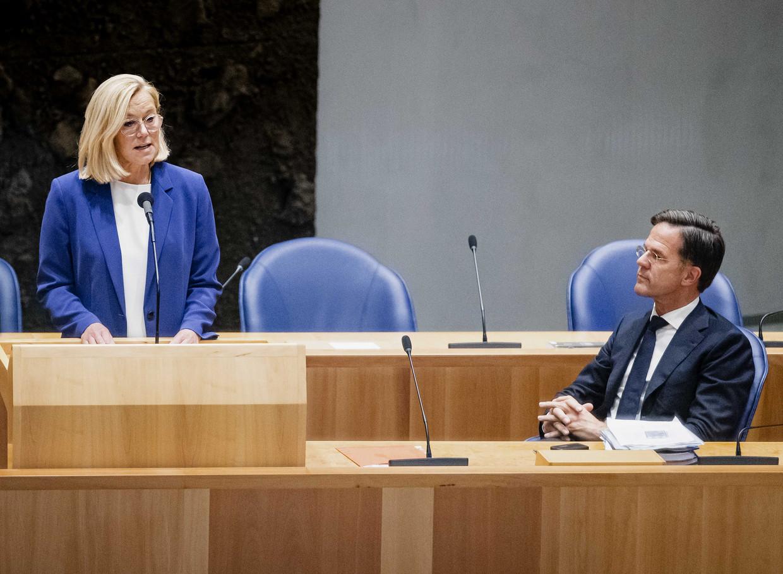 Sigrid Kaag en Mark Rutte bij de aankondiging van haar vertrek.  Beeld ANP