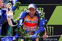 Marc Márquez viert zijn overwinning op het Circuit de Catalunya.