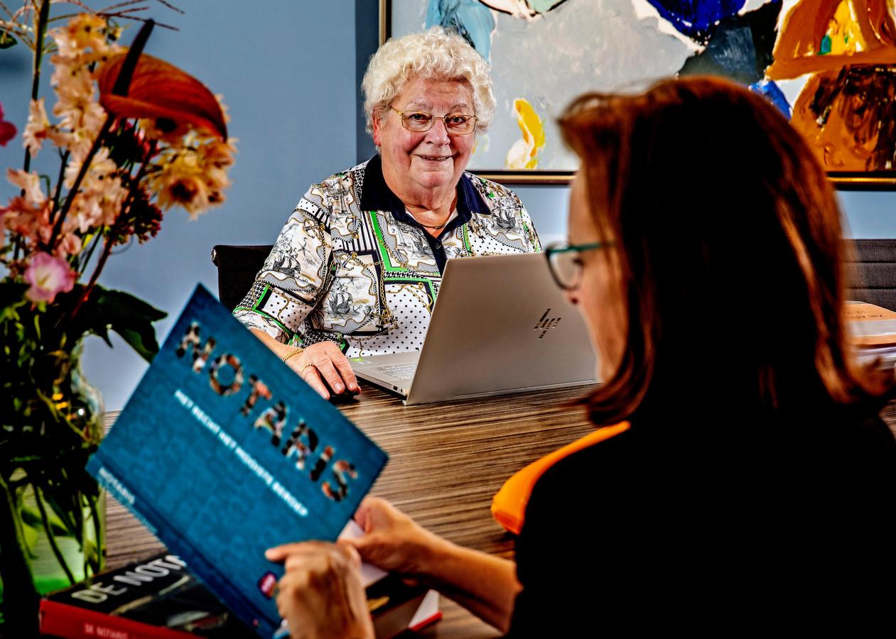 Marianne Heesbeen-Swanenberg is op haar 81ste nog steeds notaris.