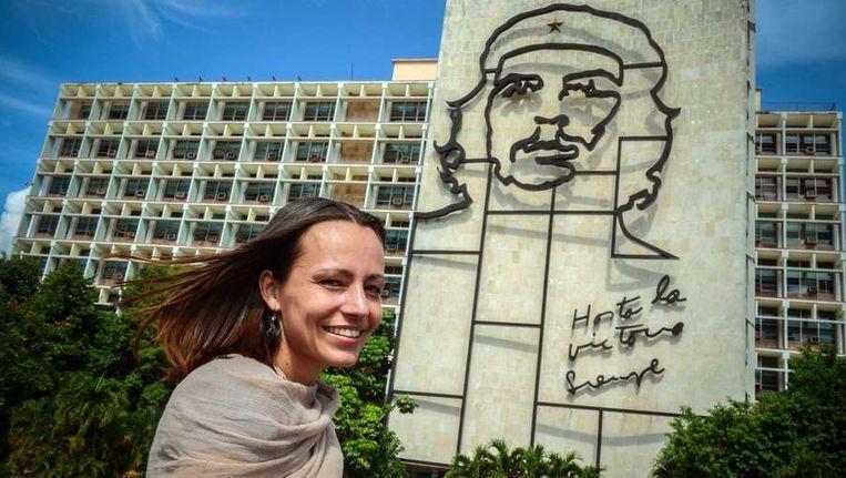 Nijmeijer bij het gedenkteken voor Che Guevara in Havana. Beeld anp