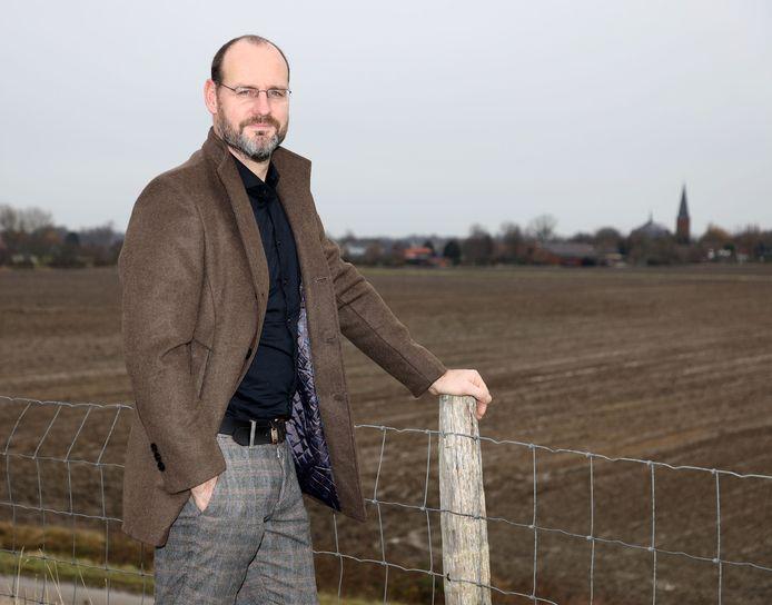 """Jan Vantoortelboom bij Ossenisse: ,,Het is spannend, zeker, ik wil een buffer - een voorraad columns - opbouwen zodat ik ook eens verkouden kan zijn of op vakantie mag gaan."""""""