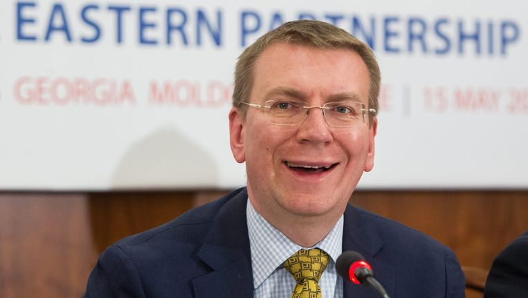 'Wij zijn lid van de NAVO, dus dat zou een hoop problemen opleveren voor Rusland', zegt de Letse minister van Buitenlandse Zaken Edgars Rinkevics. Beeld epa