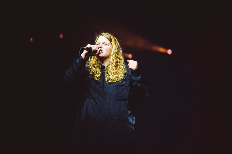 'Nothing you can buy will ever make you more whole', klinkt het bij Kate Tempest.  Beeld Francis Vanhee