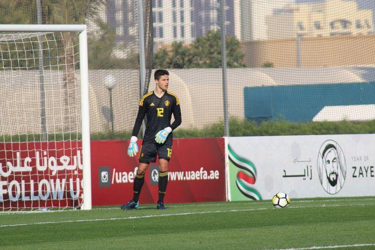 Beloftevol jong talent Senne Lammens mag mee naar de Champions League.