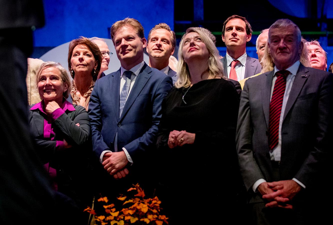 Ank Bijleveld, Pieter Omtzigt, Hugo de Jonge, Wopke Hoekstra en Wim van de Camp tijdens het CDA-congres in DeFabrique (voor corona).
