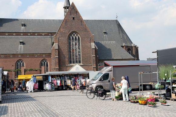 De wekelijkse markt in Dessel.