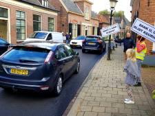 Buurt Dorpsstraat Laag-Keppel houdt publieksactie: 'Moet u hier rijden?'