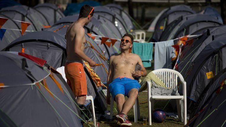Oranjefans afgelopen weekend op de camping Beeld ap