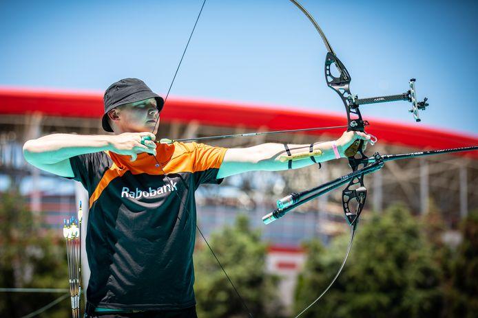 Sjef van den Berg in actie in de EK-finale in Antalya.