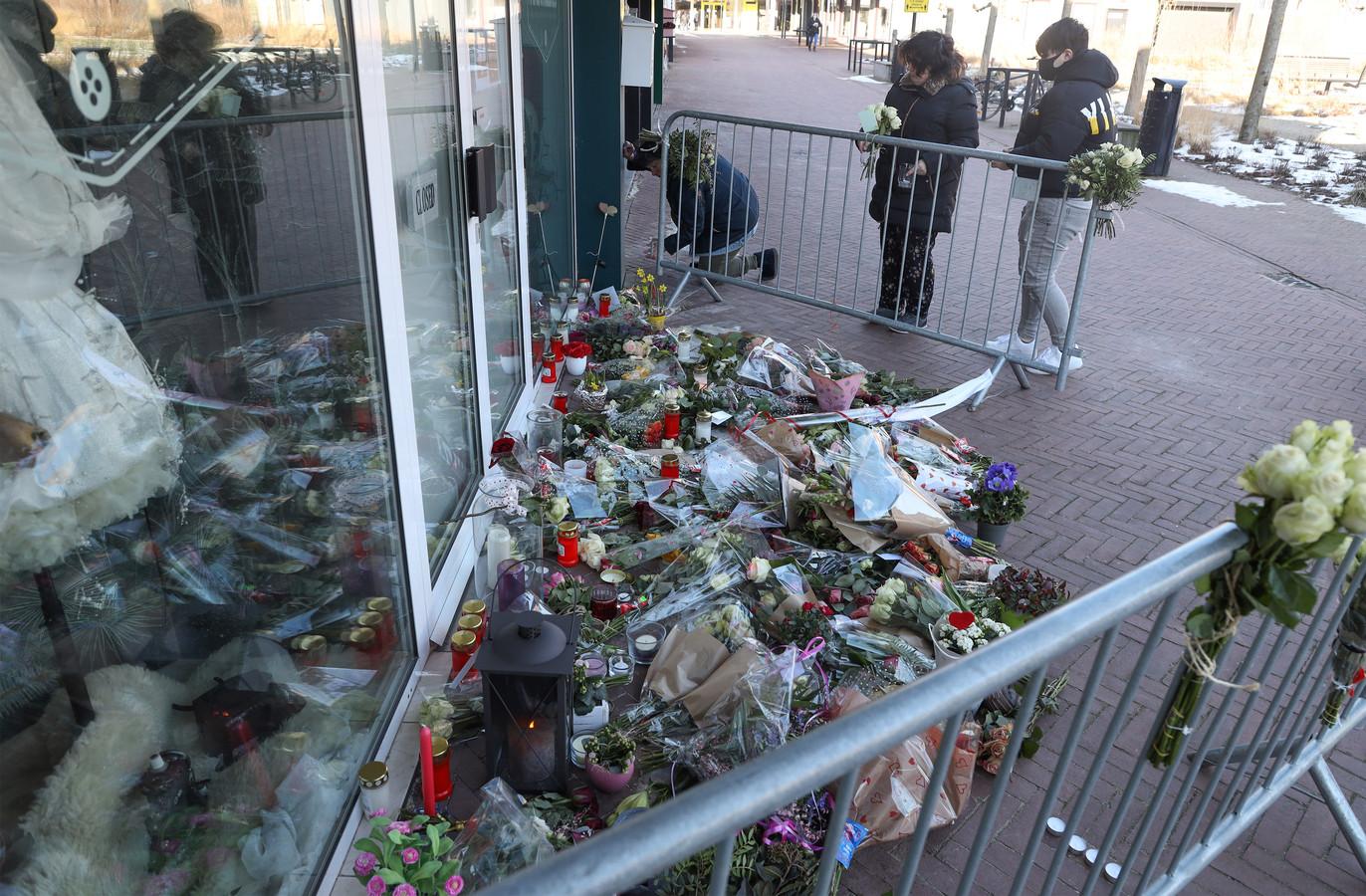 Bloemenzee bij de winkel van Ichelle van de Velde.