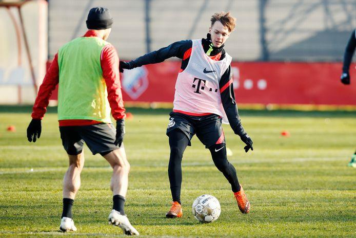 Remco Balk aan de bal als speler van FC Utrecht.