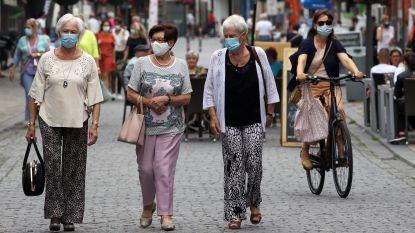 """Bijna iedereen draagt mondmasker in Zandstraat: """"Kalmer dan op normale zaterdag"""""""