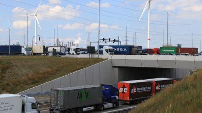 Zware hinder op R2 en in deel Waaslandhaven door ongeval in Liefkenshoektunnel