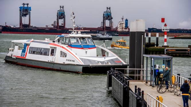 Rotterdamse raadsleden willen 'afgeslankte' veerdienst: 'Kan boot blijven varen voor toeristen?'