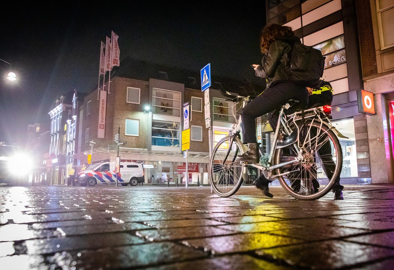 In heel Zuid-Holland Zuid kregen tot nu toe 460 mensen een bekeuring, .omdat ze zich niet aan de avondklok hielden.