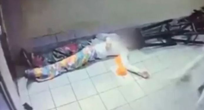 De 33-jarige man die na de vechtpartij bewusteloos achterbleef in de snackbar.