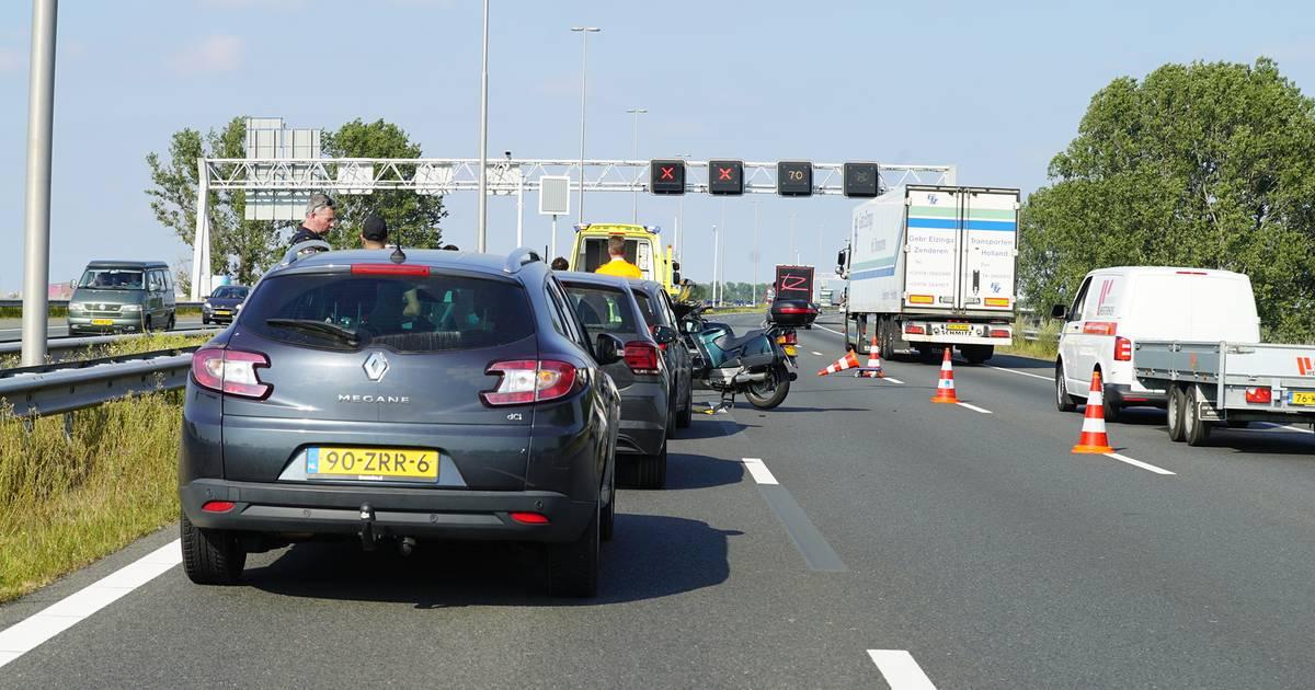 Drie ongelukken in avondspits: flinke vertraging op A1 van Apeldoorn richting Twente.