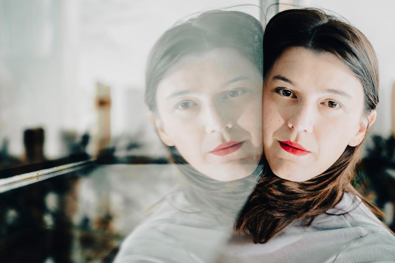 Charlotte van den Broeck: 'Mijn schrijfproces is dit keer veel milder verlopen. Ik moest mezelf minder bewijzen.'  Beeld © Stefaan Temmerman