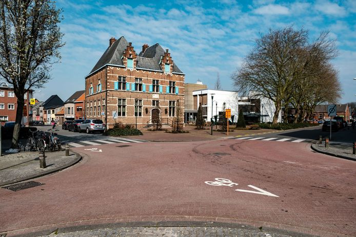 Het gemeentehuis van Aartselaar.