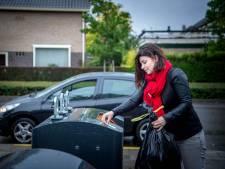 Vuilniswagen of zelf sjouwen met afvalzak? Inwoners Mook beslissen mee
