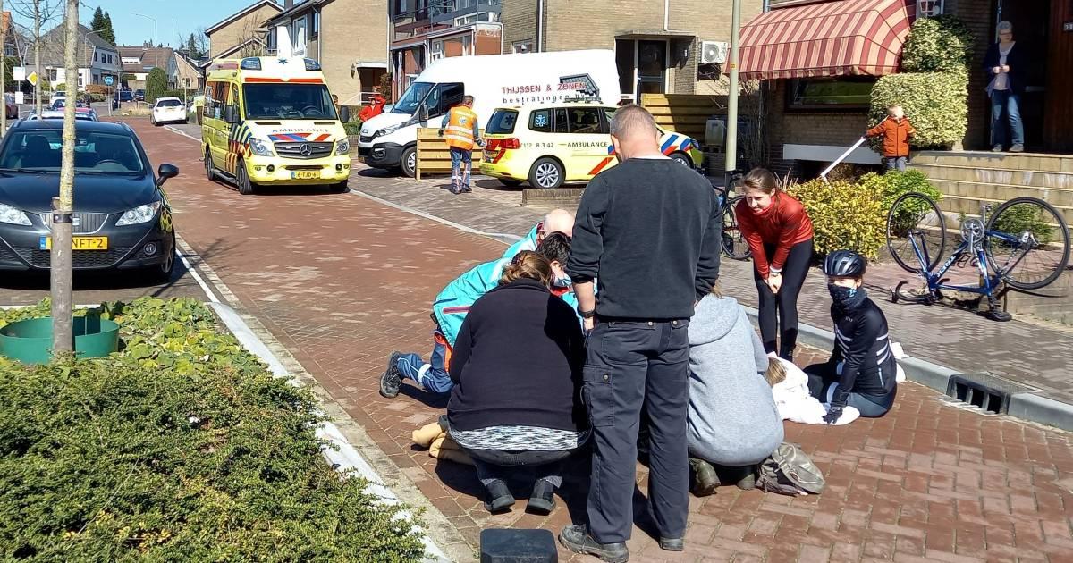 Jongetje op step en wielrenster gewond bij botsing in Groesbeek: vrouw naar ziekenhuis.
