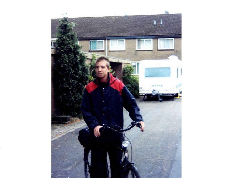 Joost bij vertrek voor zijn fietstocht. Beeld Privébezit