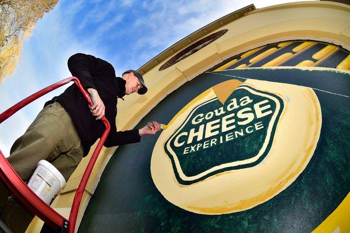 Een muurschildering van de Gouda Cheese Experience.