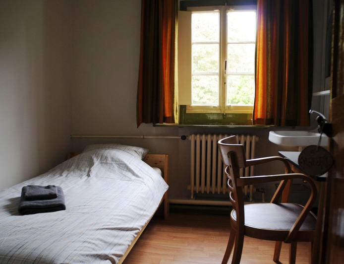 Eenpersoonskamer in Het Klooster Breda.