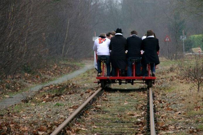 VVD voert actie voor de trein tussen Nijmegen en Kleef.