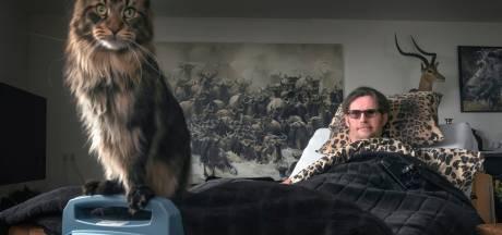 Tekort aan wijkverplegers, dus ligt natuurfotograaf uit Harderwijk de hele dag in bed