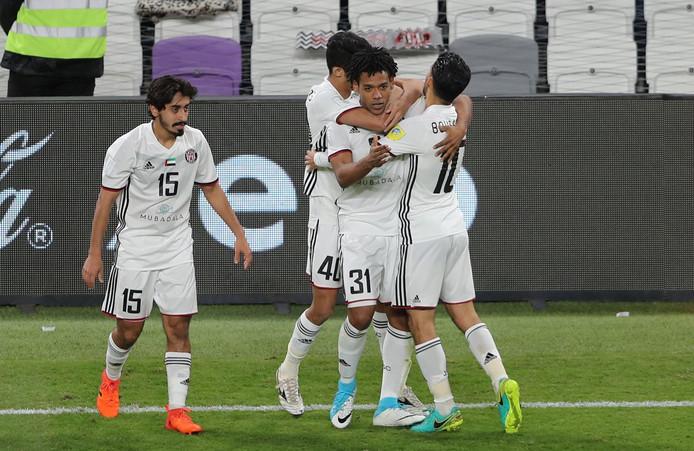 Romarinho wordt bejubeld na zijn goal tegen FC Auckland.