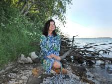 Nomade Wilma past op huizen: 'Hier in Bruinisse laat ik acht keer per dag een hond uit'