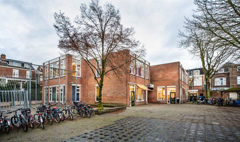 De SvPO-school in Utrecht. In 2019 werd deze school door de inspectie als 'zeer zwak' beoordeeld. Beeld Raymond Rutting / de Volkskrant