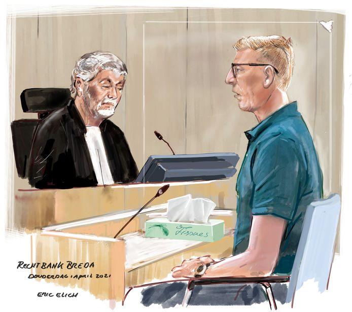 De geëmotioneerde verdachte F,  in de rechtbank.